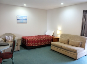 one bedroom accommodation with spa bath