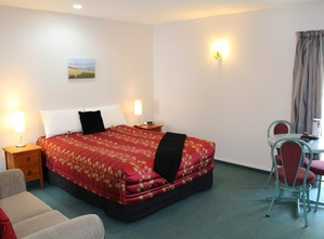 one-bedroom family accommodation Oamaru