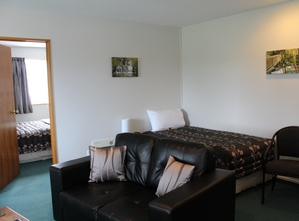 executive 1-bedroom unit sleeps 3