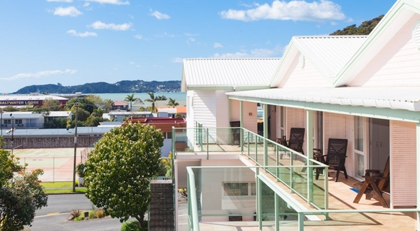 Image of the outside of Admirals View Lodge in Paihia
