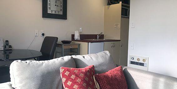 1-bedroom suite kitchenette