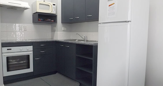 full kitchen facilities available in Broderick two-bedroom apartment