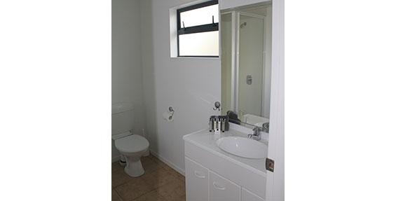 ensuite bathroom of large studio