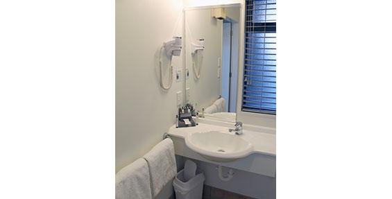 bathroom of one-bedroom suite