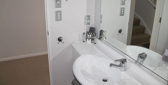 bathroom of deluxe one-bedroom suite
