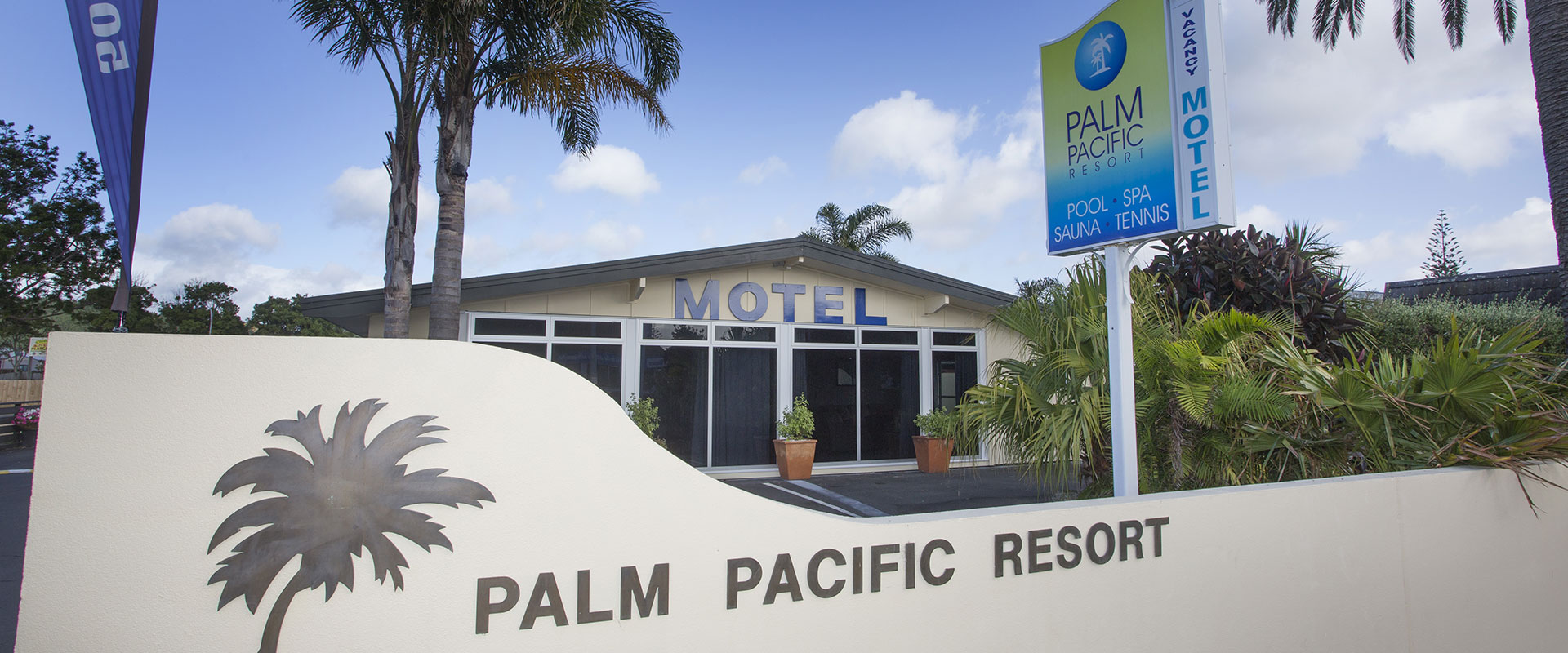 Palm Pacific Resort & Motel