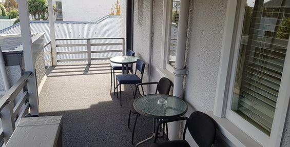 2-bedroom apt (b) balcony