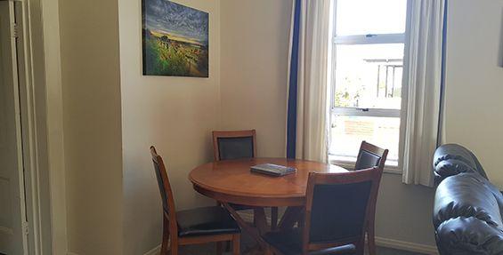 2-bedroom apt (f) dining