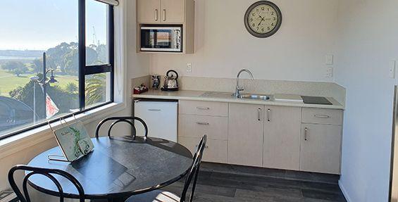 superior 1-bedroom suite kitchen