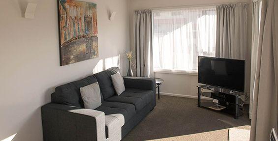 superior 1-bedroom suite lounge