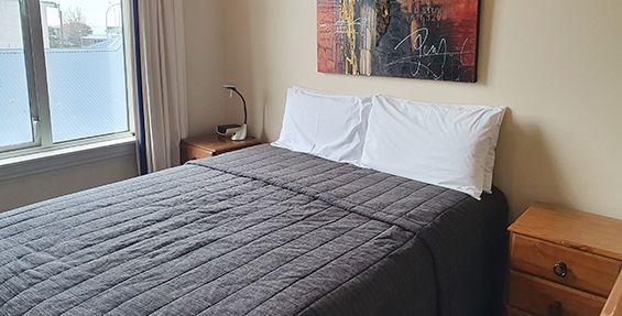 2-bedroom apt (c) bedroom