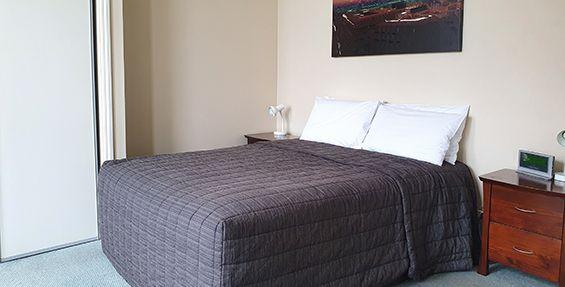 2-bedroom apt (f)