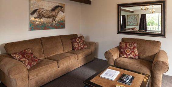 4-bedroom house lounge