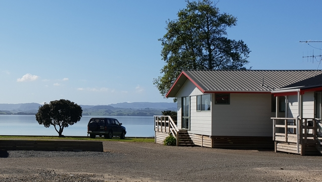 waterfront accommodation in Kawhia