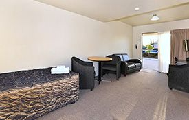 1-bedroom unit single bed