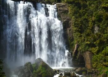 Marakopa waterfalls