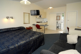 Frimley Lodge Motel Accommodation
