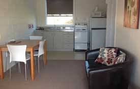 Studio unit with kitchen and dining