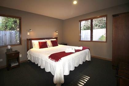 1-bedroom honeymoon suite