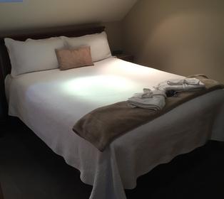 1-bedroom room