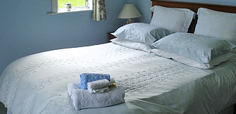 Pahi bed and breakfast accommodation