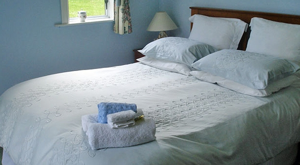 Palm House Bed and Breakfast in Pahi, North New Zealand