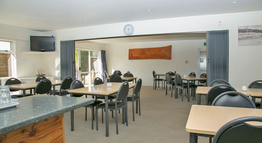 only motel with licensed restaurant in Gisborne