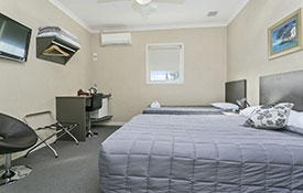 super king room with shared bathroom facilities