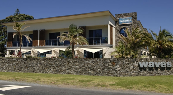 Waves motel Orewa beach