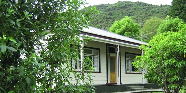 Reefton Historic Villas