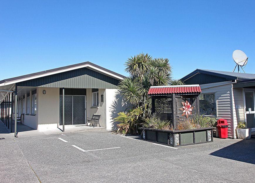 scenicland motels reception