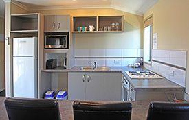 executive 1-bedroom apartment - full kitchen