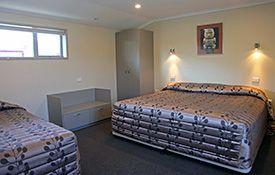 executive 1-bedroom apartment - bedroom