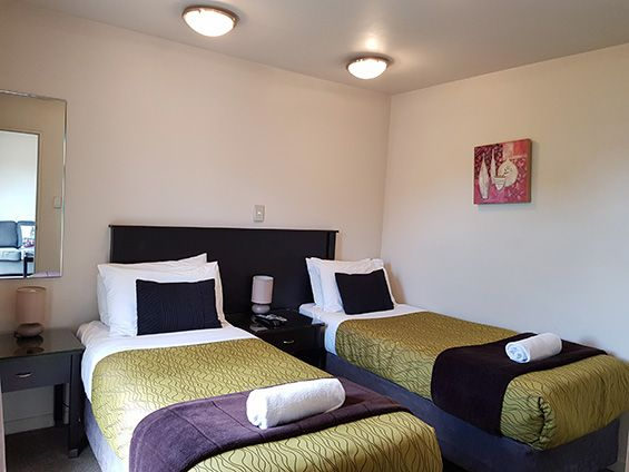 2-room apartment with balcony and spa bath single beds