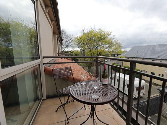 executive/honeymoon suite balcony