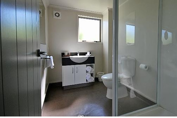 en-suite bathroom with every room