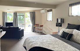 superior king-size bed in Platinum Suite