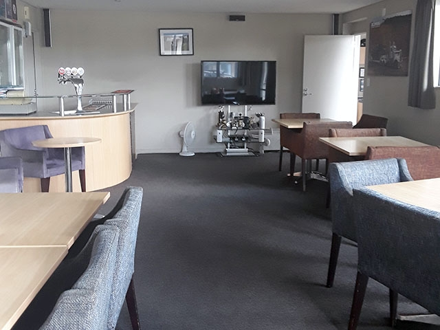 lounge, dining area and bar