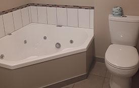 studio unit spa bath