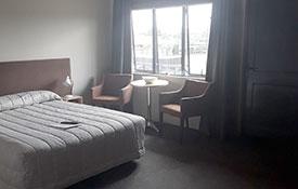 1-bedroom unit queen-size bed