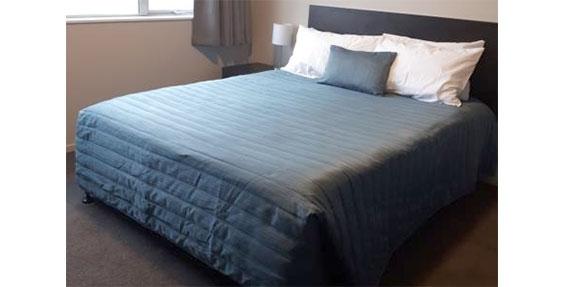 superior studio queen-size bed