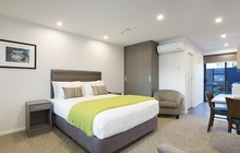 Superior Room with king or queen-size bed, kitchenette and ensuite bathroom