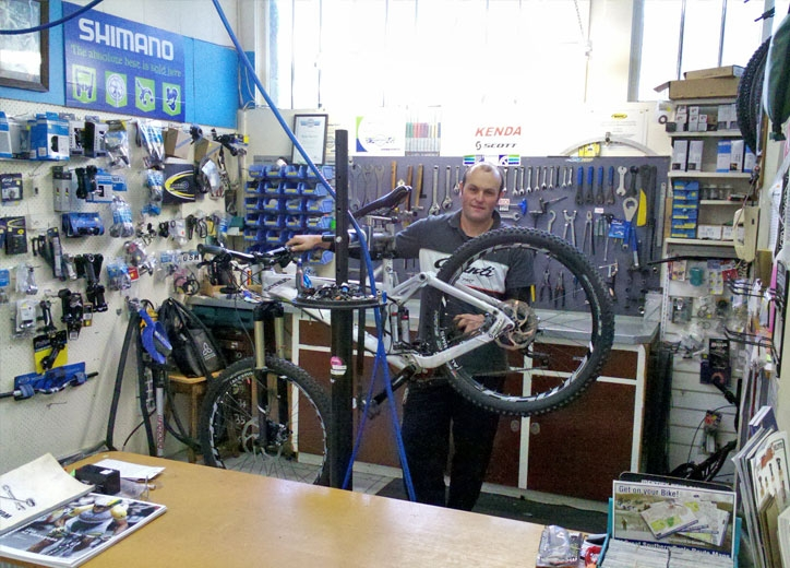 our experts service all brands of cycles