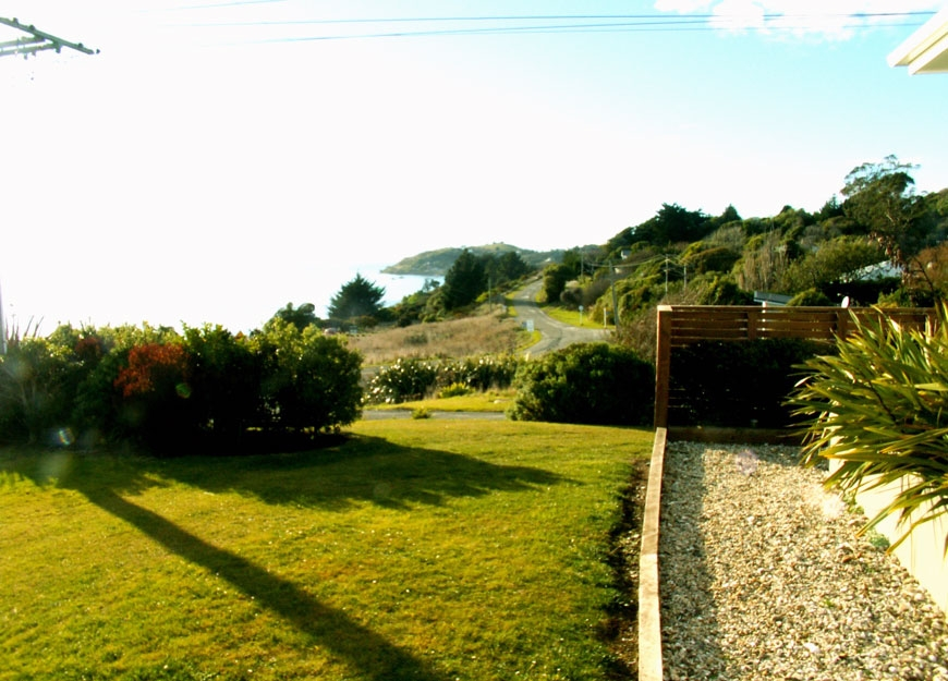 a short drive to Moeraki village