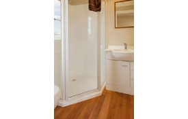 Smaller Sized Cottage has ensuite bathroom