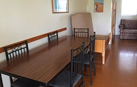 dining area of kitchen table