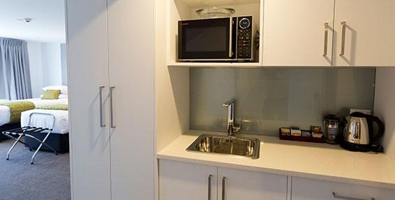 kitchenette facilities