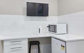 flatscreen TV in all rooms