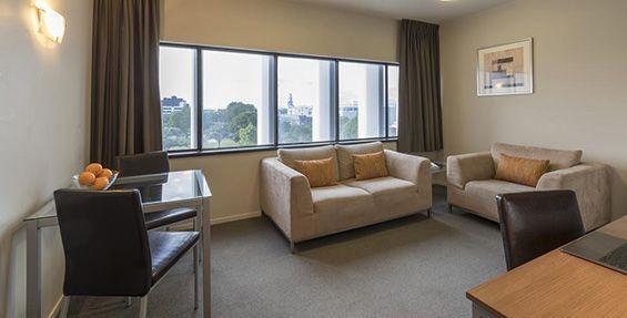 1-bedroom executive lounge