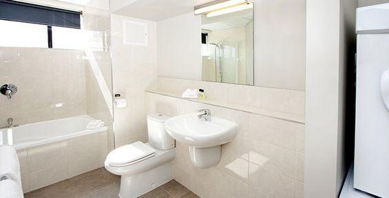 1-bedroom executive bathroom